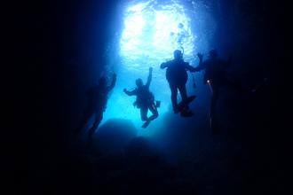 熱海で期間限定の洞窟ダイビング